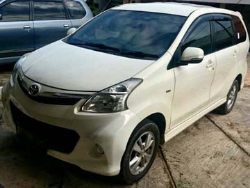Avanza Veloz Putih  Rent Car  Batam