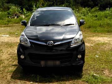 AVANZA HITAM MULUS   Rent A Car  Batam