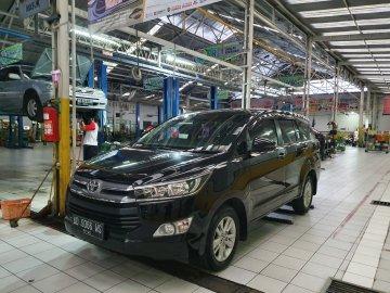 Innova Reborn  Rent Car  Solo