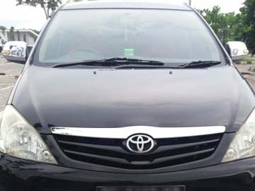 INNOVA HITAM METALIK   Rent A Car  Lombok