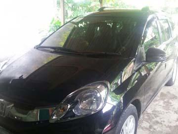 MOBILIO HITAM NYAMAN  Rental Mobil  Solo