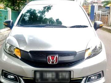 MOBILIO PUTIH  Rent Car  Jakarta