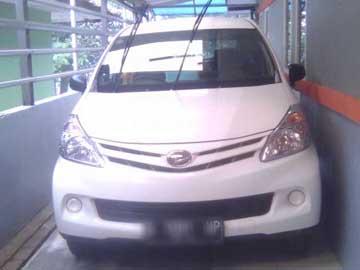 Xenia Putih 2014  Rental Mobil  Bandung
