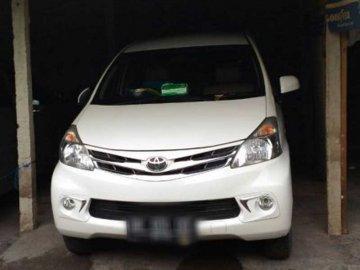 Avanza putih 2014  Rental Mobil  Bali