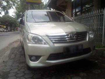 Innova Silver  Rental Mobil  Surabaya