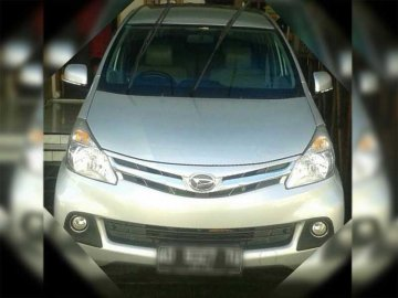 DAIHATSU XENIA R  SILVER    Rent A Car  Solo