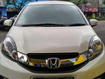 mobilio putih 2014  Rent Car  Bandung